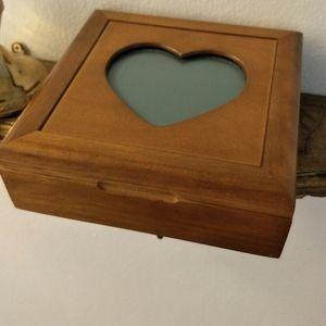 Vintage Heart Jewelry box